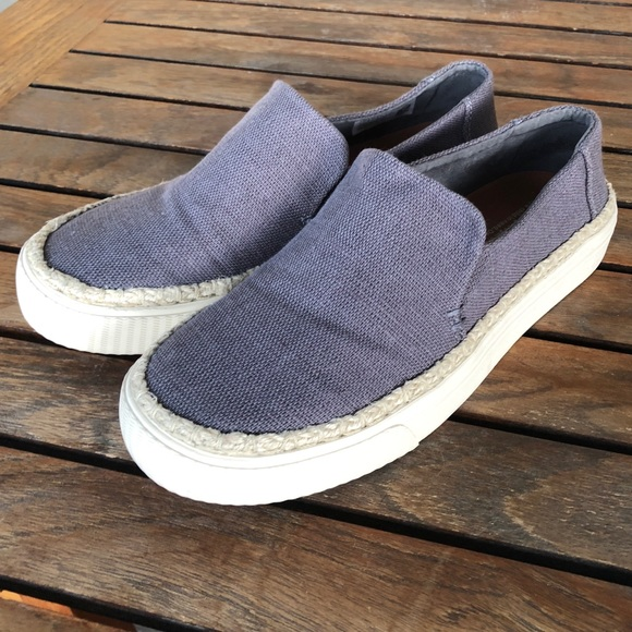 079e998a2fc TOMS heritage canvas sunset slip ons size 7 NWOT